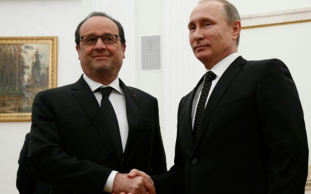 France's Hollande, in Moscow, calls for anti-ISIL coalition