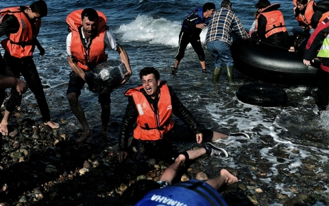 Thumbnail image for Greek island struggles to provide medical care to refugees