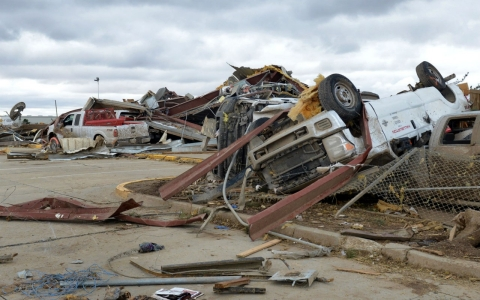 Thumbnail image for Dozens die as tornadoes, flooding and heavy snow hit Texas and Midwest