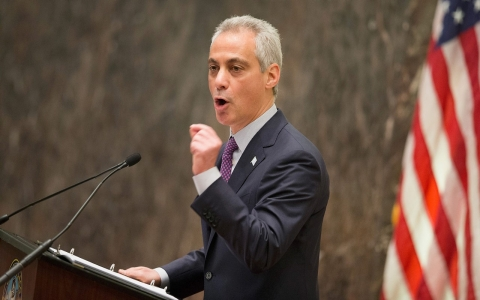 Thumbnail image for Chicago mayor orders review of police training following officer shooting