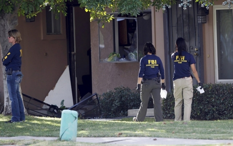 Thumbnail image for FBI takes over investigation of San Bernardino mass shooting