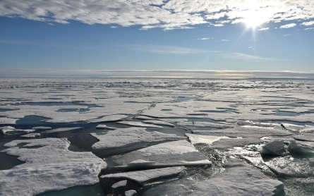 Unusual storm pushes North Pole temperatures 40 F above average