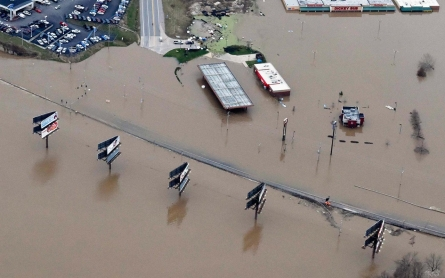 Widespread flooding hits Missouri and Illinois, with rivers still rising