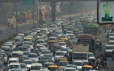 Indian capital to restrict cars to curb choking smog