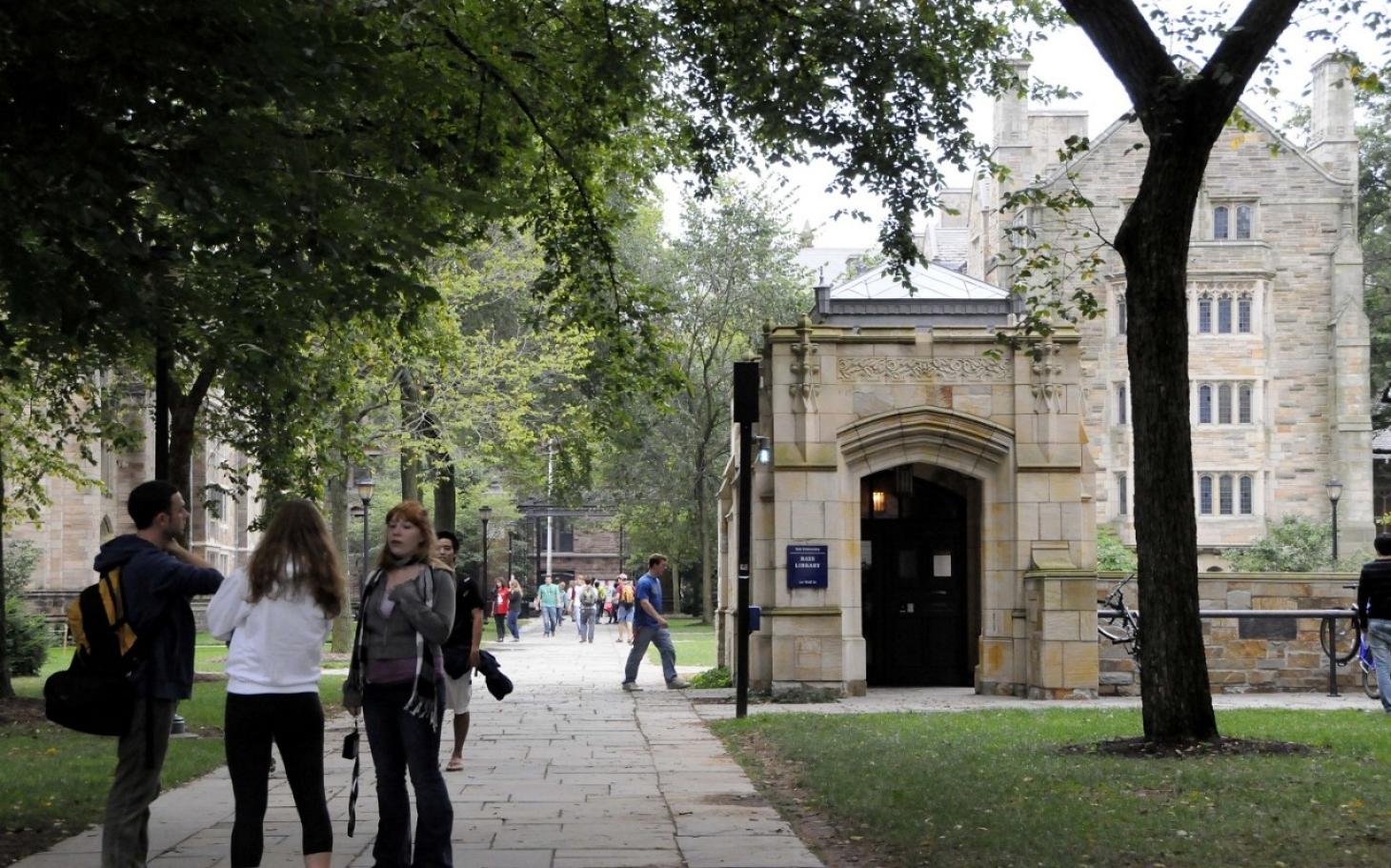 Yale Teacher Resigns Over Halloween Costume Email | Al Jazeera America