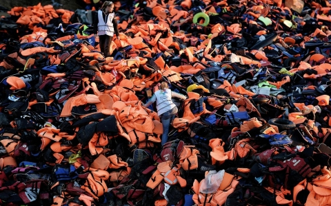 Thumbnail image for In Greece, volunteers upcycle refugee life jackets, boats