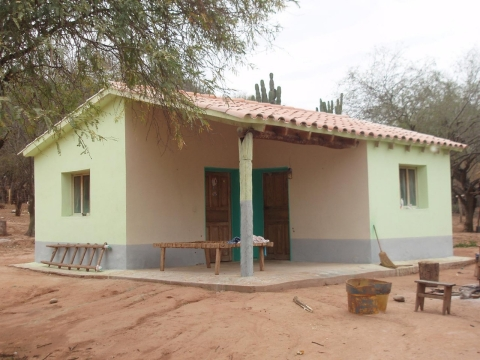 A house painted with Inesfly in Entre Rios, Bolivia, in 2009.