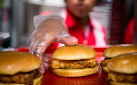 NY board upholds $15 minimum wage for fast-food workers