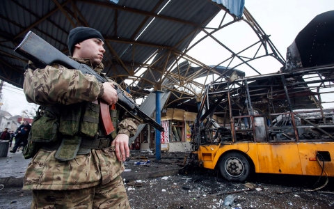 Thumbnail image for Russia stands firm in Ukraine as Minsk truce talks begin