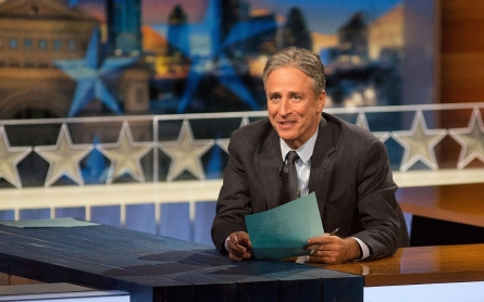 Jon Stewart announces retirement from 'The Daily Show'