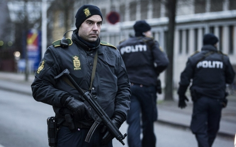 Thumbnail image for Copenhagen attacker, shot dead by police, was on intel agency's 'radar'