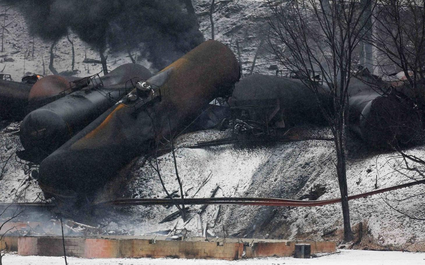 Clean up in West Virginia after oil train crash | Al Jazeera