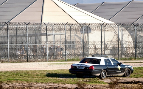 Thumbnail image for Inmates riot at for-profit Texas immigrant detention facility