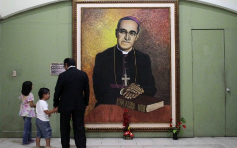 Thumbnail image for Pope Francis approves martyrdom for slain Salvadoran archbishop
