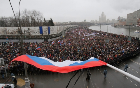 Thumbnail image for Thousands march in Russia to mourn Putin critic Boris Nemtsov