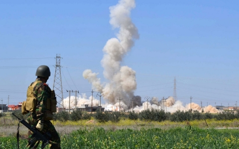 Thumbnail image for Iraqi Kurds say ISIL deployed chemical weapons against them