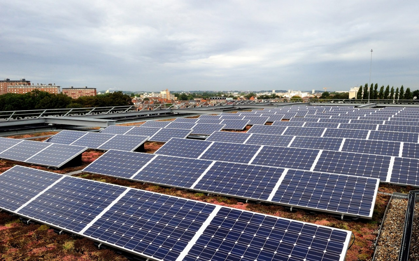 New French Law Calls For Green Roofs Solar Panels Al