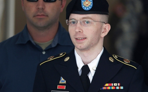 Thumbnail image for Military will call Chelsea Manning 'she' from now on