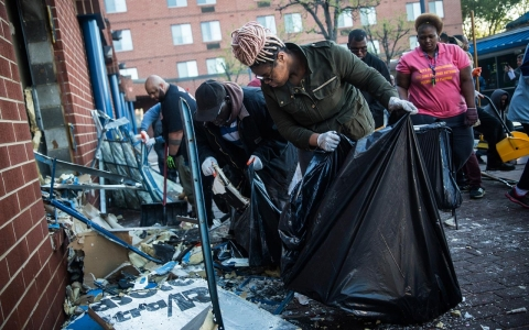 Thumbnail image for Baltimore awakes to National Guard, wreckage on streets after violence