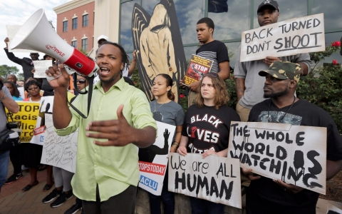 Thumbnail image for Protesters decry racism after South Carolina officer charged with murder