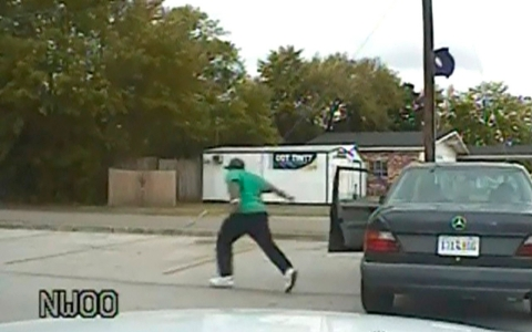 Thumbnail image for Dashcam video shows SC man fleeing traffic stop before police shooting