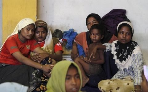 Thumbnail image for Thousands of Rohingya, Bangladeshi migrants believed trapped at sea