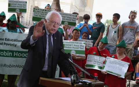 Thumbnail image for Bernie Sanders unveils plan for tuition-free public colleges