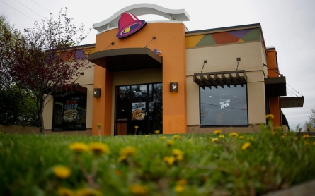 Taco Bell, Pizza Hut to ditch artificial colors, flavors