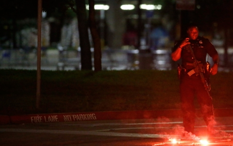 Thumbnail image for Two killed outside anti-Islam group's Muhammad cartoon event in Texas