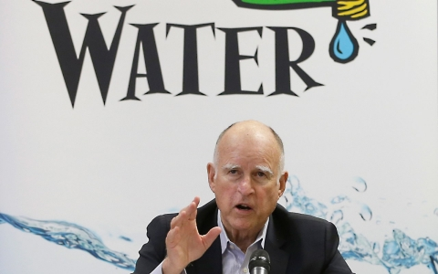 Thumbnail image for California adopts unprecedented water cuts