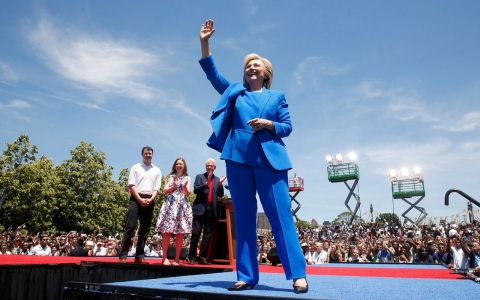 Thumbnail image for Hillary Clinton touts herself as populist champion in announcement speech