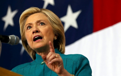 Thumbnail image for Clinton talks trade deal, but dodges Bernie Sanders on where she stands