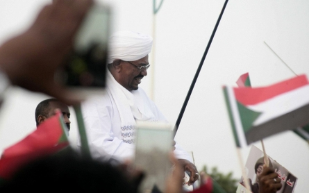 Sudan's Bashir slips out of international court's reach in South Africa