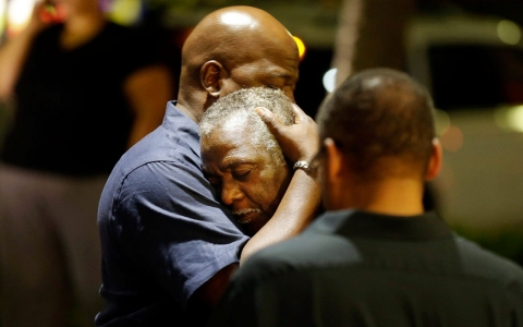 Thumbnail image for Police arrest suspect in deadly South Carolina church attack