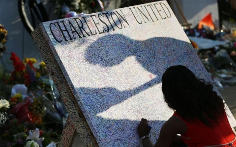 Thumbnail image for Charleston shooting reverberates across political sphere