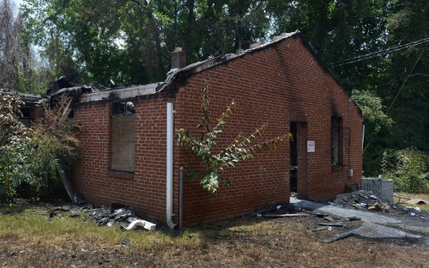 Thumbnail image for FBI probes series of fires at black churches
