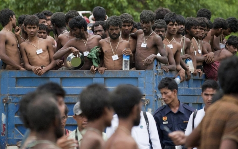 Thumbnail image for Myanmar denies Rohingya persecution is behind migrant boat crisis