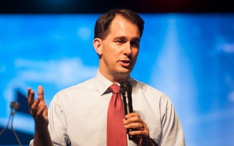 Thumbnail image for Scott Walker's war with unions a likely boon for fundraising in GOP race