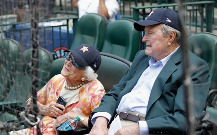 George H.W. Bush falls, breaks bone in neck