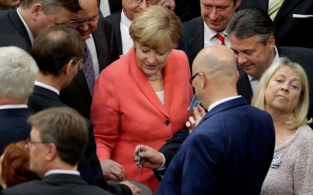 German lawmakers approve plan for Greek bailout