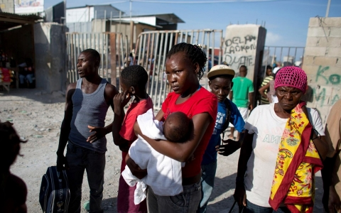 Thumbnail image for Haitian migrants allege deportation, but DR disputes claims