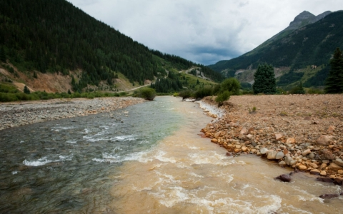 Thumbnail image for Animas River, polluted by mine spill, reopens for boating