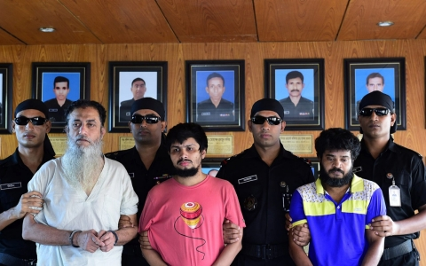 Thumbnail image for Bangladesh arrests suspects in blogger murders
