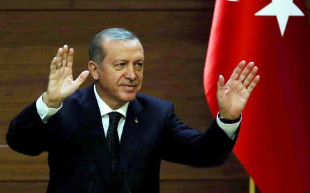 Erdogan set to keep grip on power ahead of snap election