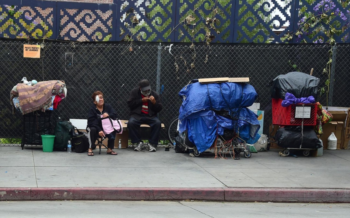 13 000 l a county residents homeless every month al for Los angeles homeless shelter