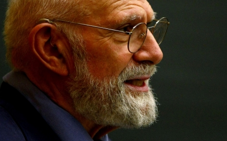 Neurologist and author Oliver Sacks dies, aged 82