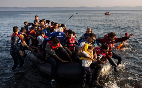 Thumbnail image for Refugee crisis heightens on Greece's eastern islands