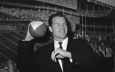 Thumbnail image for Frank Gifford, NY Giants Hall of Famer, dies at 84