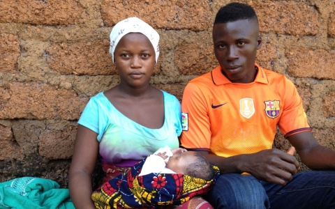 Ramatu Sankoh and Mohamed Conteh with their newborn son.