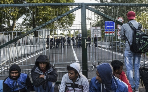Thumbnail image for Hungary declares state of emergency over refugee crisis